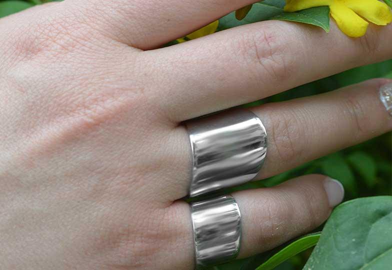 Aσημένια κοσμήματα που θα λατρέψεις - Paraxenies.gr 1a2254d40a3