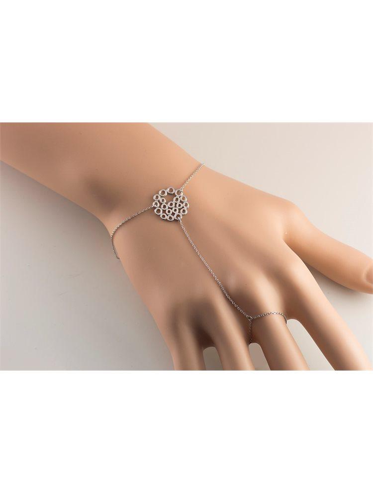 Βραχιόλι δαχτυλίδι που ενώνεται με αλυσίδα από ασήμι και με στοιχείο διάτριτο
