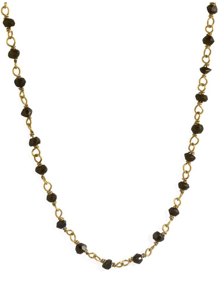 Κολιέ ροζάριο από επιχρυσωμένο ασήμι με διακριτικές πέτρες μαύρου όνυχα