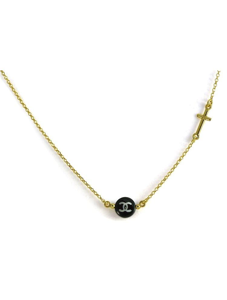 Διακριτικό κολιέ ασημένιο 925 με σταυρό στο πλάι