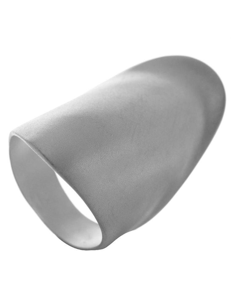 Εντυπωσιακό δαχτυλίδι. 8350f752bc5
