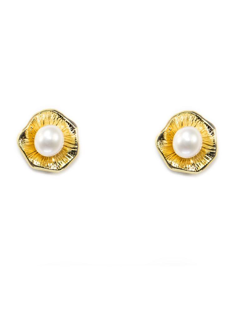 Χειροποίητα σκουλαρίκια από επιχρυσωμένο ασήμι με μαργαριτάρι