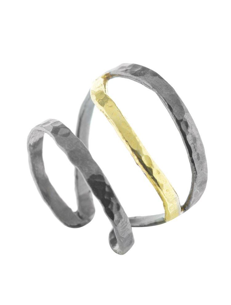 Χειροποίητο δαχτυλίδι από επιχρυσωμένο ασήμι και μαύρο πλατίνωμα